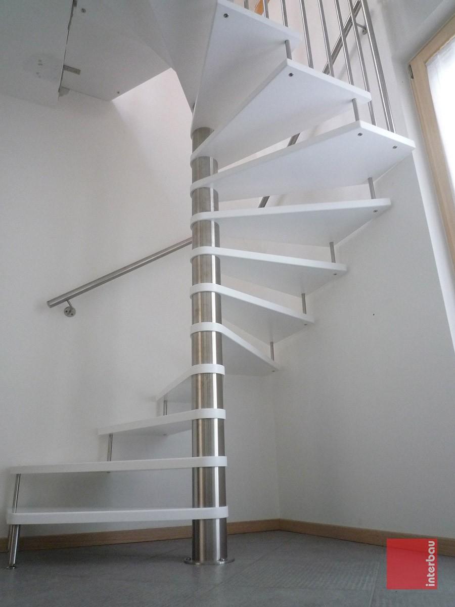 Idee su misura interbau style design for Disegnare una scala a chiocciola con autocad